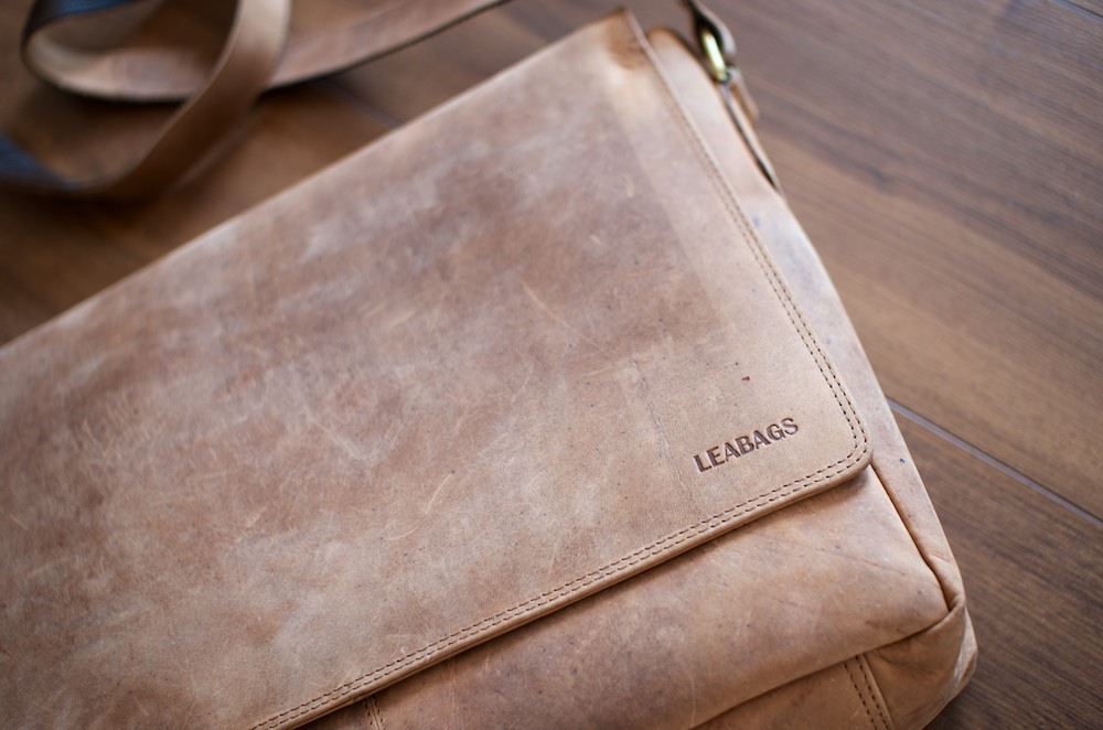 Leabags Messenger Bag oben